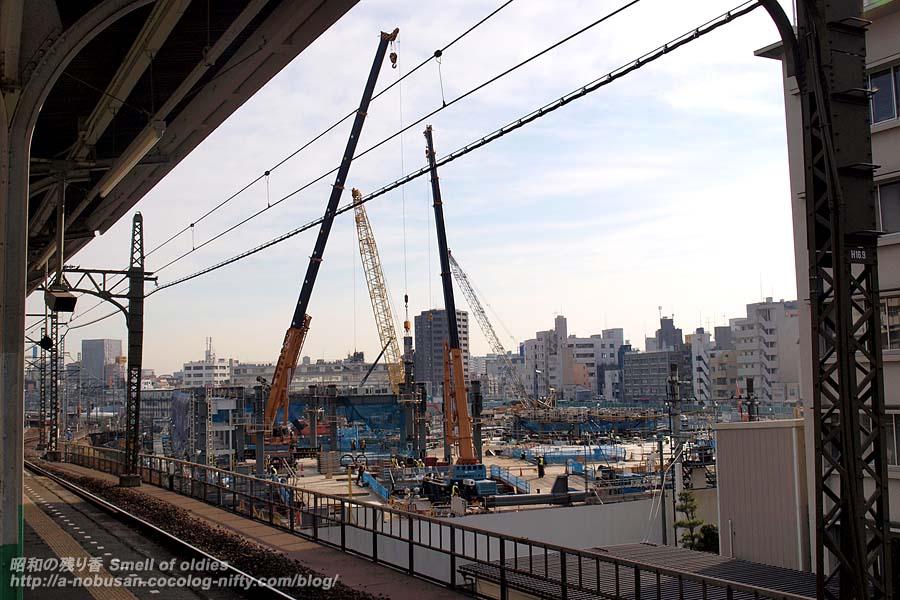 P1279932_cranes