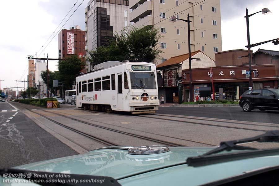 P8010393_okayama_tram