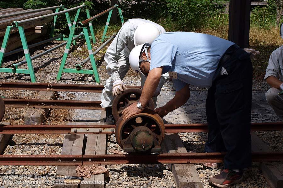 P8220263_railroad_wheels