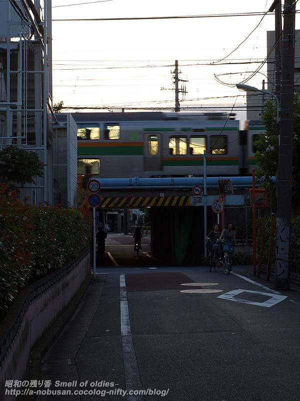 P8261380_railroad_overpass