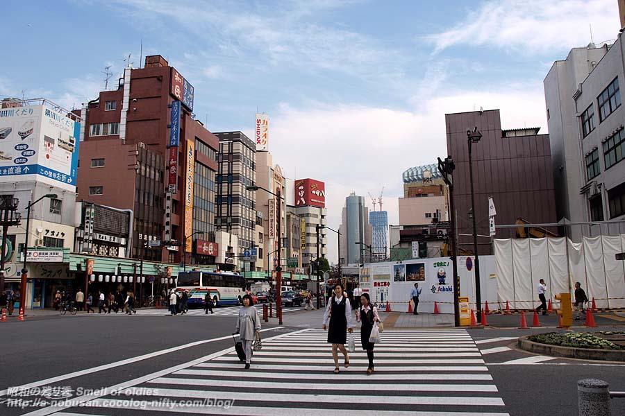 Pb095466_kaminarimon