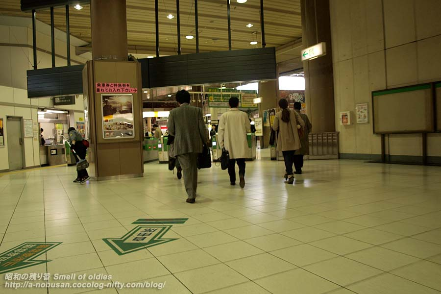 Pb249768_ueno_station