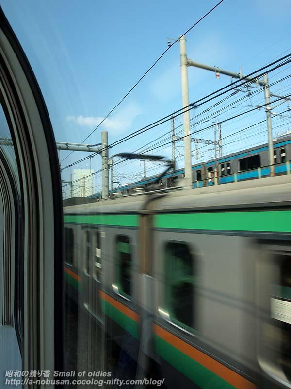 Pb291597_tokyo_train