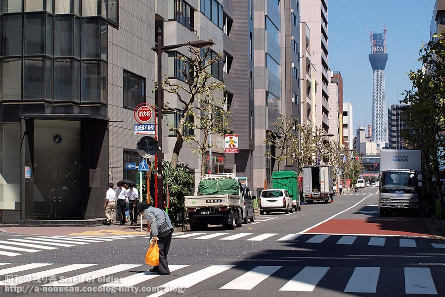 P9010730_higashinihonbashi_sky