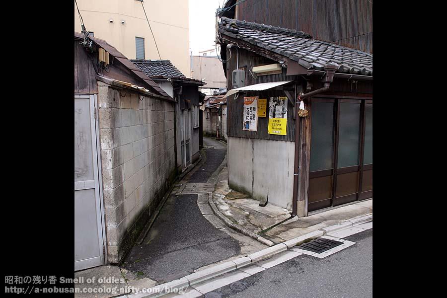 P4240437_hyakumanben_roji_enter