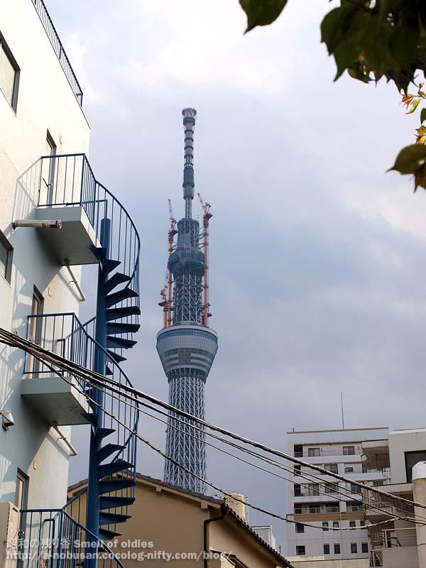 P4290466_spiral_tokyo_sky_tree
