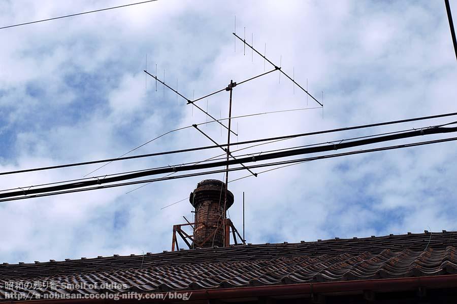 P7230474_roof_brick_pipe