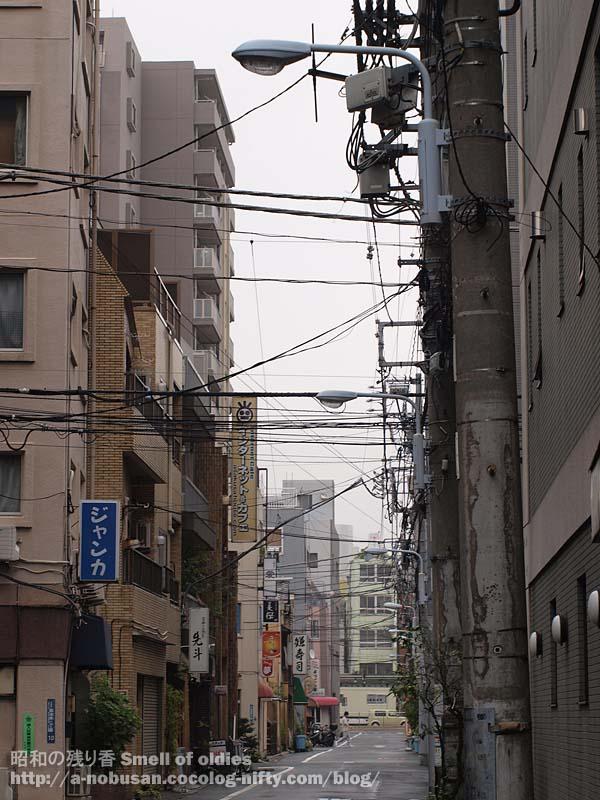 P8230105_nishiasakusa_cloud
