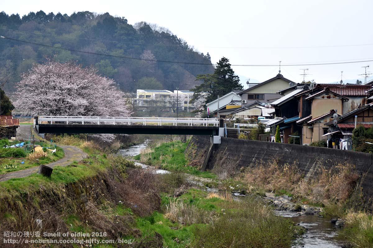 Dsc_0068_tomika_machi_kawa_ienami